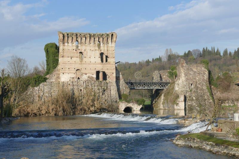 """Panorama romano del puente del †de Borghetto """" fotografía de archivo"""