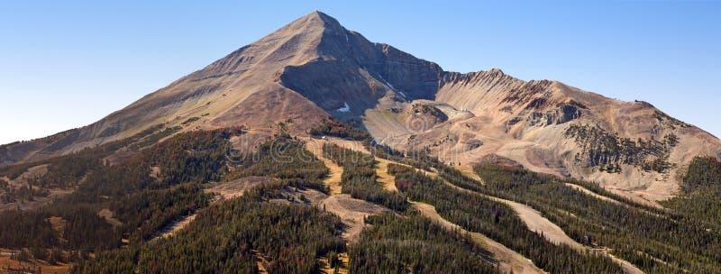 panorama samotny szczyt obraz royalty free