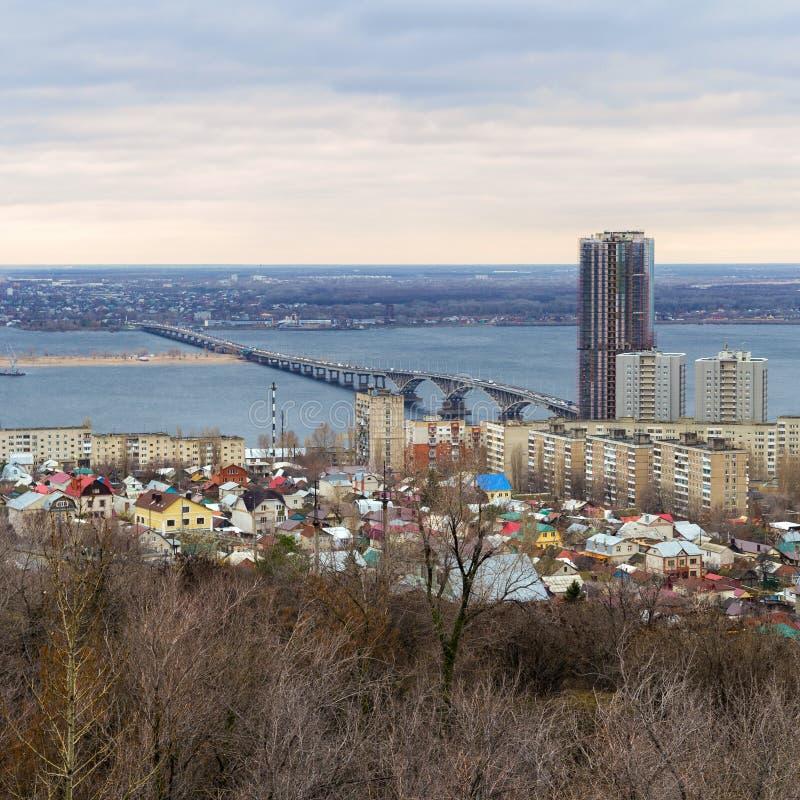 panorama- saratov för höststad sikt Ryssland royaltyfri bild