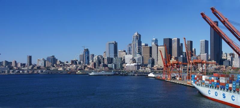 Panorama - Seattle nabrzeża linia horyzontu zdjęcia stock