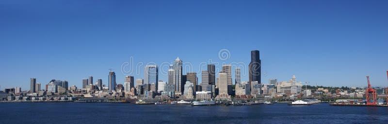 Panorama - Seattle-Ufergegend-Skyline stockfoto