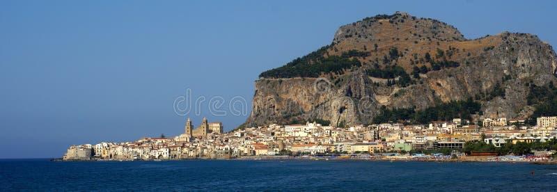 panorama Sicile de cefalu photo libre de droits