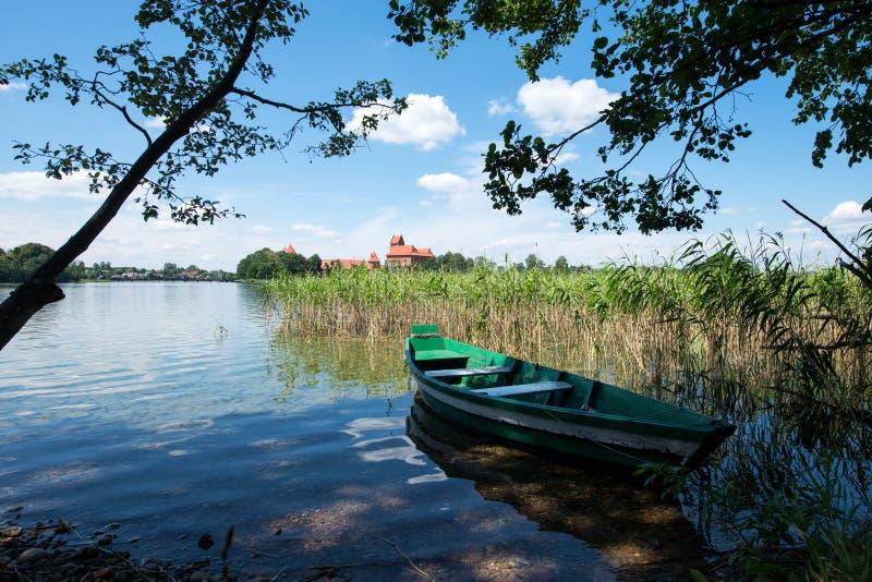 Download Panorama- sjö med fartyget fotografering för bildbyråer. Bild av reflexion - 78726615