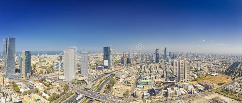 Panorama- skott av telefon Aviv And Ramat Gan Skyline fotografering för bildbyråer