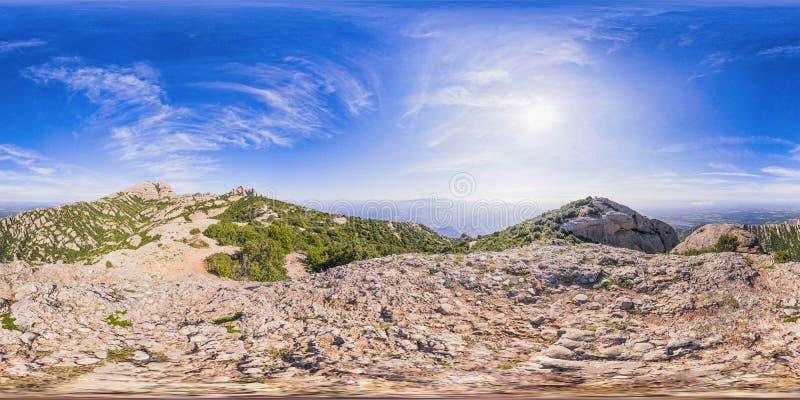 Panorama sphérique de dessus de montagne photos libres de droits