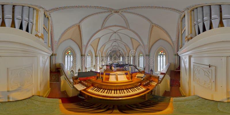 Panorama sphérique de l'organe de tuyau de l'église de St Peter, Cluj-Napoca, Roumanie photographie stock