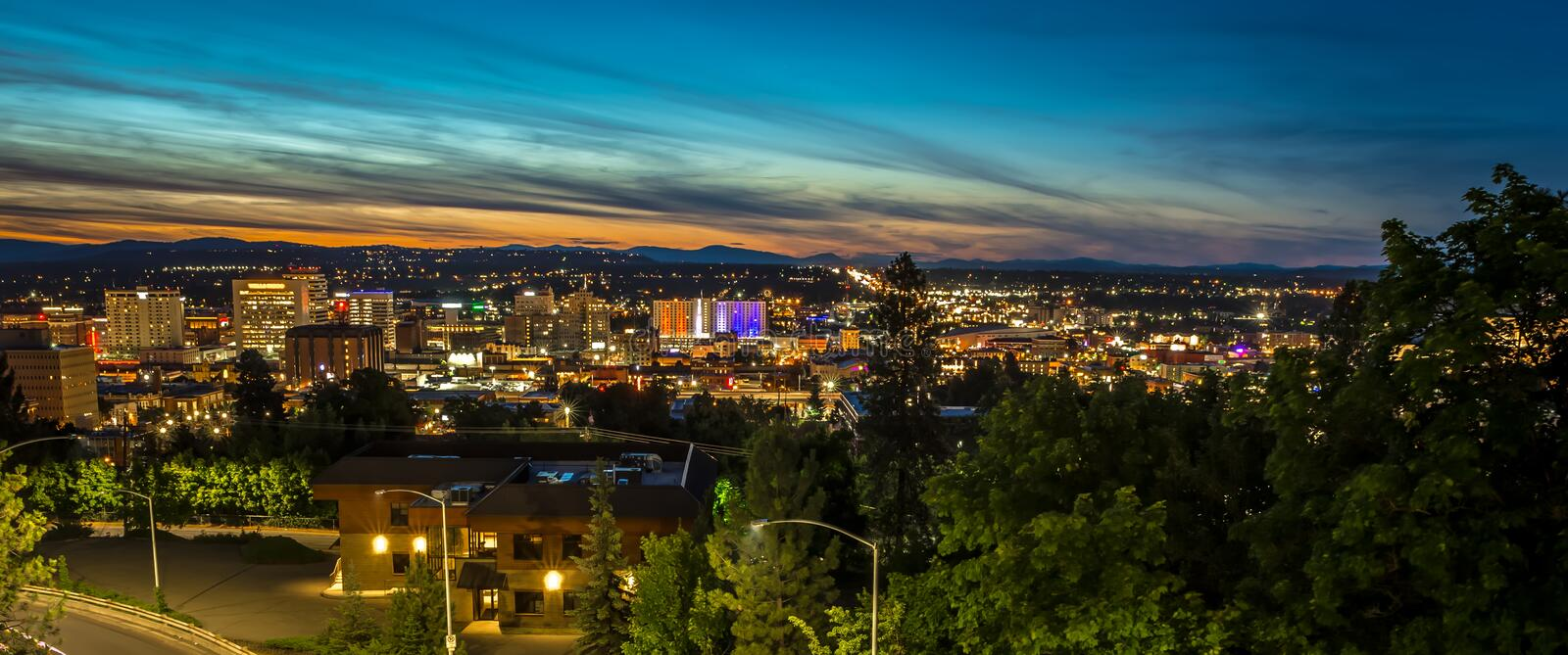 Panorama Spokane Washington Downtown City Skyline stock foto's
