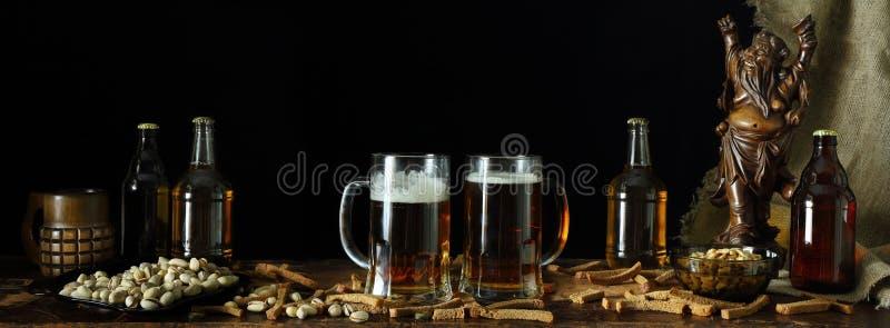 Panorama spokojny życie na temacie piwny retro styl zdjęcie royalty free