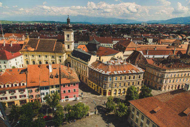 Panorama, stad van Sibiu, mooie historische stad in Roemenië stock afbeeldingen