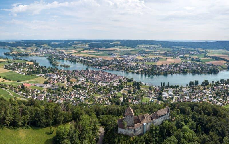Panorama Stein jest Rhine i Hohenklingen kasztel, Szwajcaria zdjęcia stock