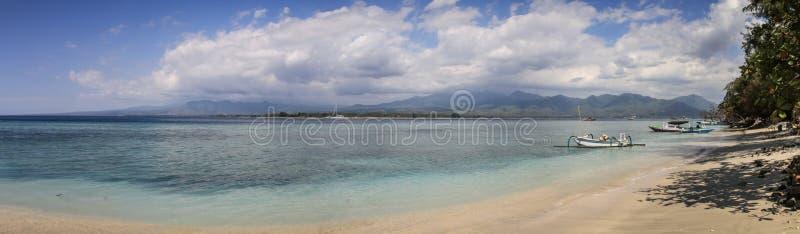 Panorama sulle belle spiagge di Gili Air, Gili Islands, Indonesia fotografia stock libera da diritti