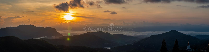 Panorama, Sunrise bij Khao Kho, provincie Phetchabun, Thailand royalty-vrije stock foto's
