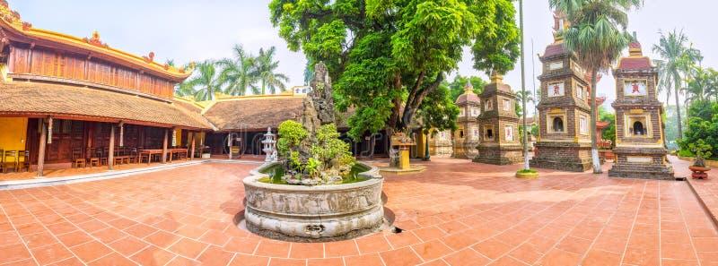 Panorama Tran Quoc Pagoda architectural, Hanoï, Vietnam photos libres de droits