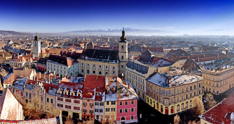 Panorama a Transilvânia Romênia de Sibiu foto do hdr foto de stock