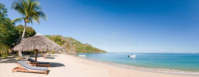 Panorama tropicale della spiaggia immagine stock