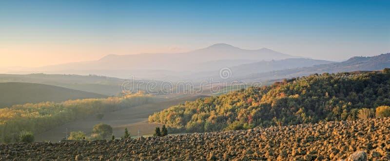 Panorama Tuscany przy świtem zdjęcie stock