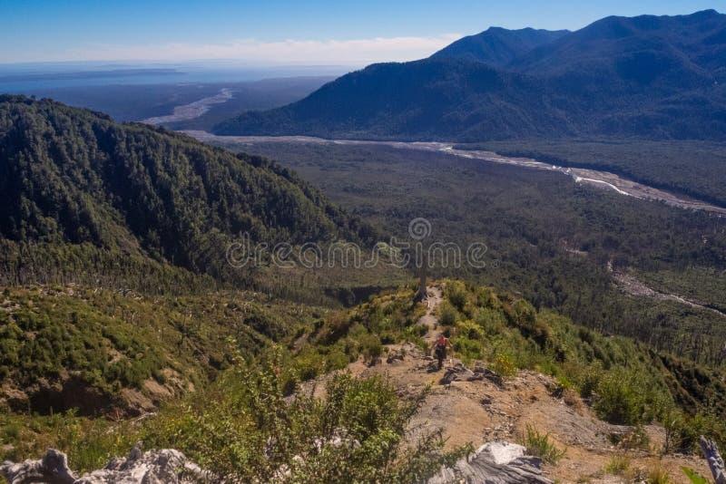 Panorama- uppifrån av den Chaiten vulkan i patagonia, Chile D arkivbilder