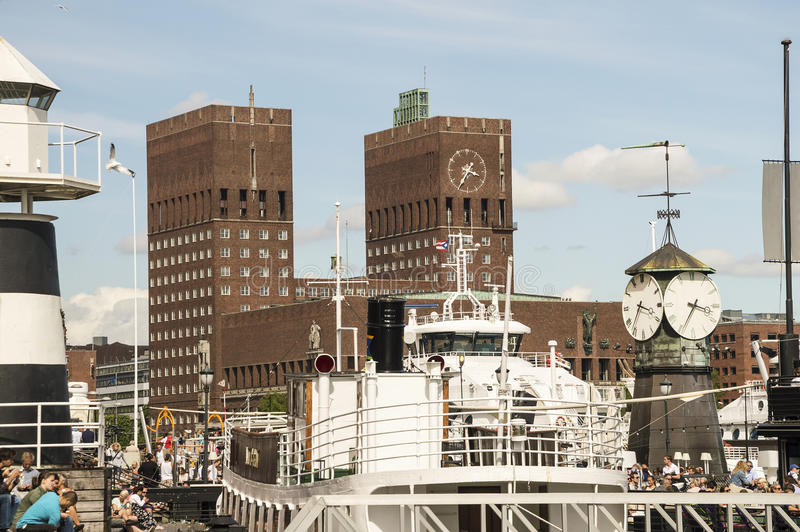 Panorama urząd miasta i schronienie w Oslo zdjęcia royalty free