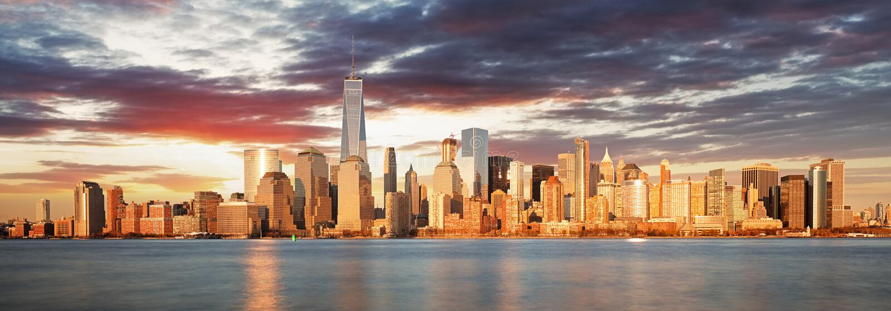 Panorama USA, New York bei Sonnenaufgang lizenzfreie stockbilder