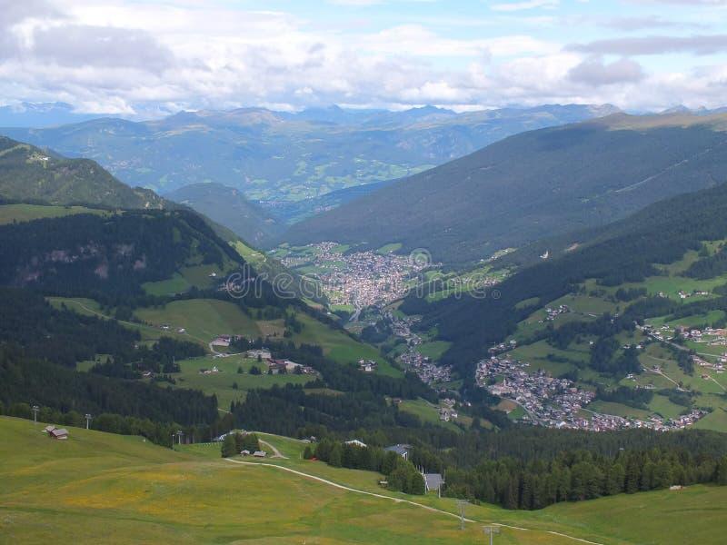 Panorama Val Gardena da montanha fotos de stock