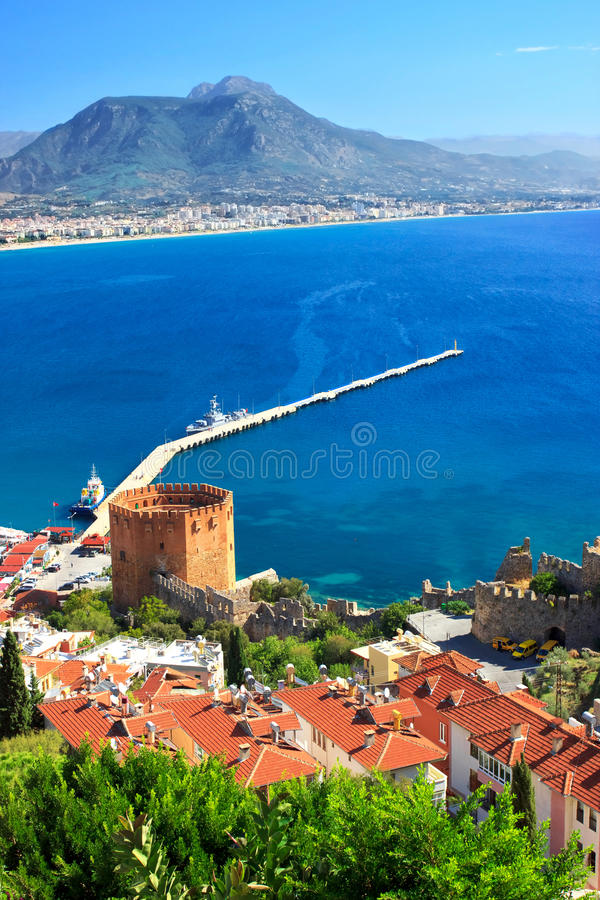 Download Panorama van Alanya stock afbeelding. Afbeelding bestaande uit stad - 39110399