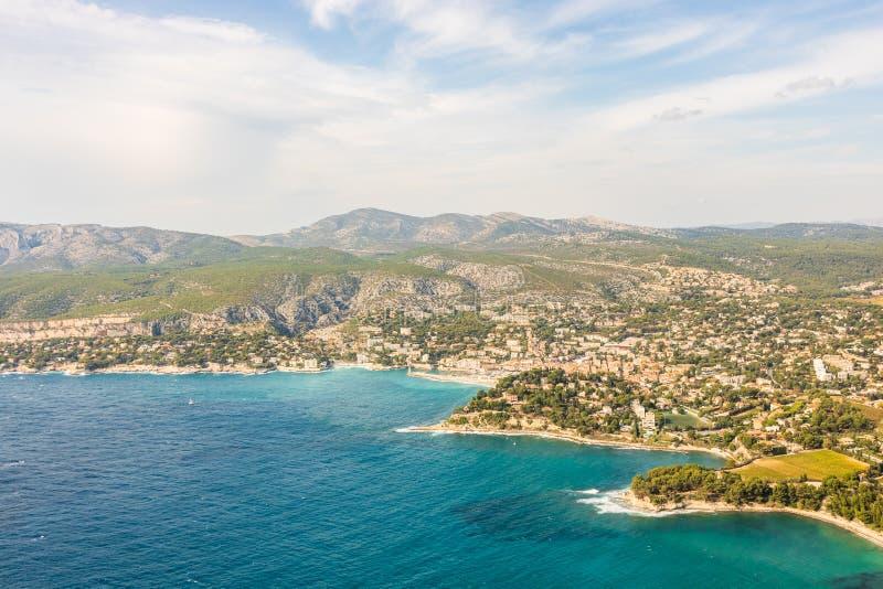 Panorama van baai van Cassissen, Cassissenstad, de Provence, Frankrijk royalty-vrije stock foto