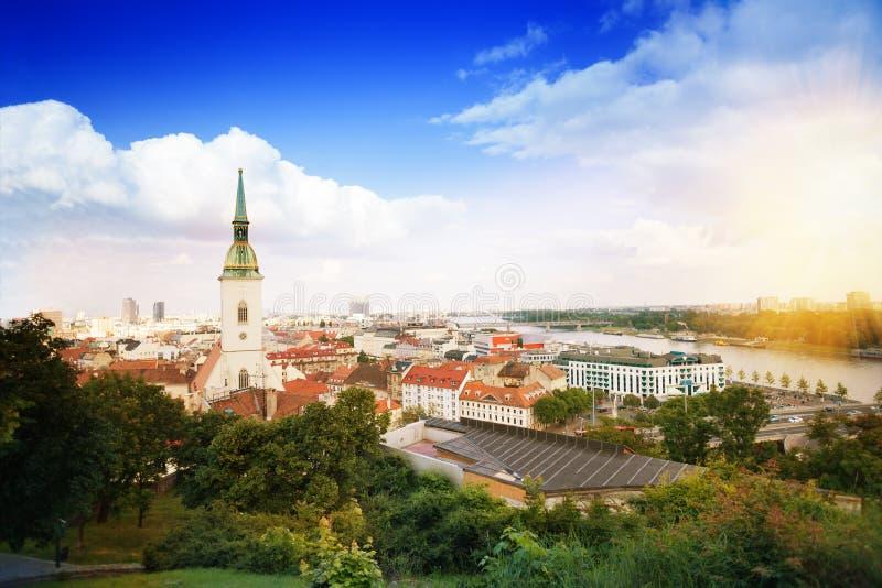 Panorama van Bratislava stock foto's