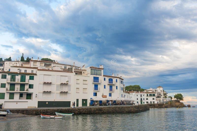 Panorama van Cadaques-dorp op het Mediterrane Spaans, Cos. royalty-vrije stock foto's