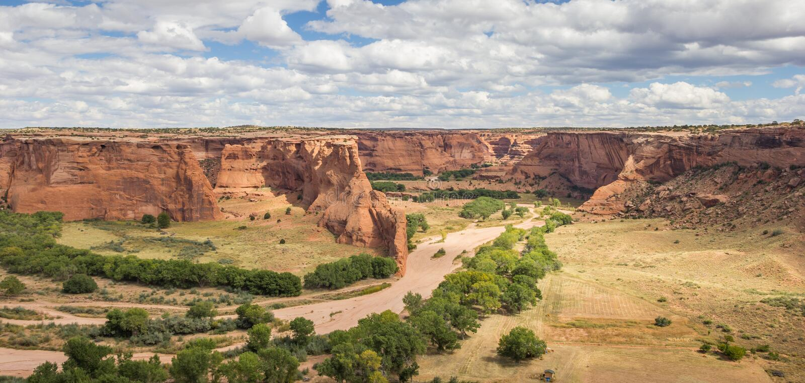Panorama van Canyon DE Chelly National Monument stock foto