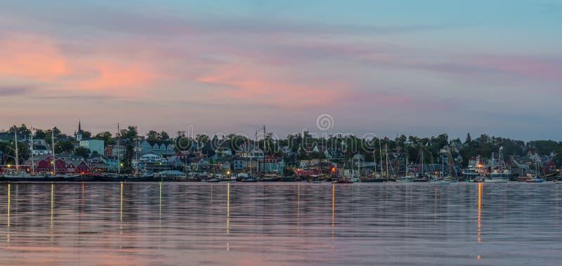 Panorama van de beroemde havenvoorzijde van Lunenburg tijdens Ta royalty-vrije stock foto