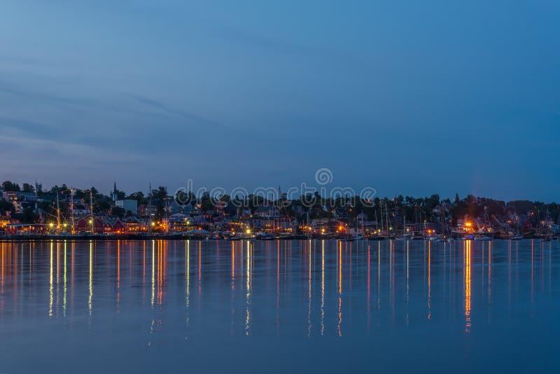 Panorama van de beroemde havenvoorzijde van Lunenburg tijdens Ta royalty-vrije stock afbeelding