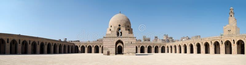 Panorama van de binnenplaats van Ibn Tulun Mosque, Kaïro, Egypte stock fotografie