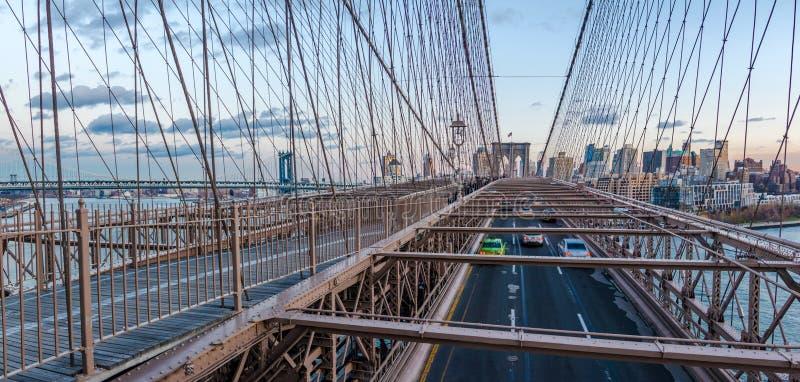 Panorama van de Brugverkeer van Brooklyn en de horizon van Brooklyn - New York, de V.S. stock foto