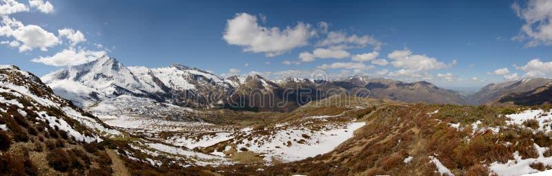 Panorama van de Franse bergen van de Pyreneeën, col. du Soulor stock foto's