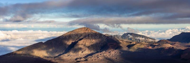 Panorama van de Haleakala-krater stock foto's