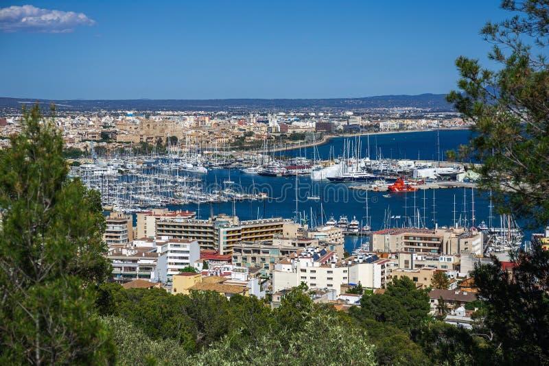 Panorama van de haven van Palma de Mallorca stock afbeelding