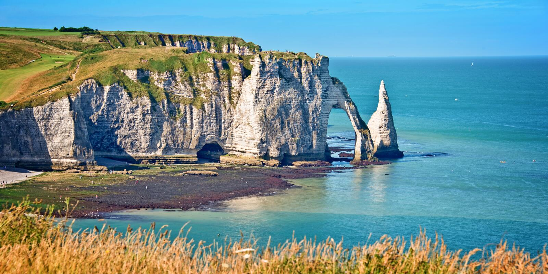Panorama van de klip van Etretat, Normandië royalty-vrije stock foto's