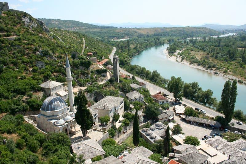 Panorama van de middeleeuwse stad van Pocitelj stock fotografie