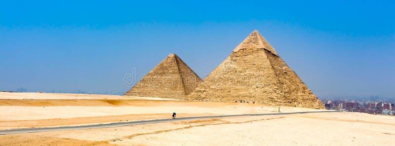 Panorama van de piramides van Giza stock foto's