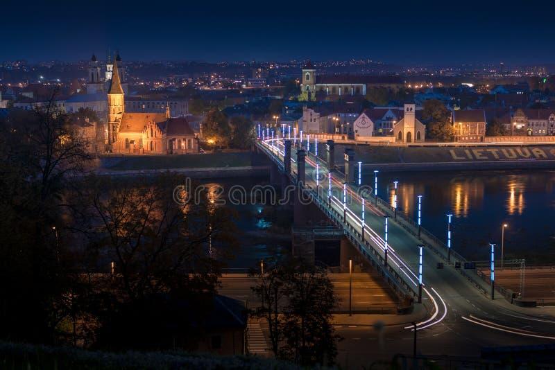Panorama van de rivier en de stad van Kaunas royalty-vrije stock afbeelding