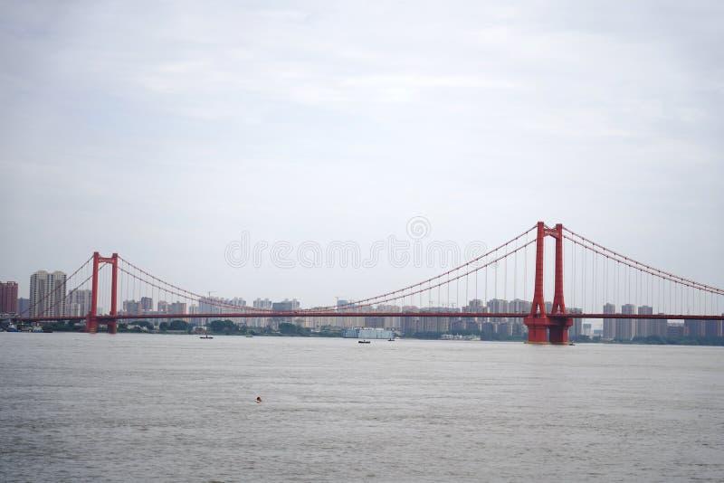 Panorama van de Rivierbrug van Yingwuzhou Yangtze stock afbeeldingen