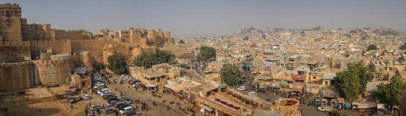 Panorama van de stad van Jaisalmer van het Jaisalmer-Fort, Rajasthan, India royalty-vrije stock foto's