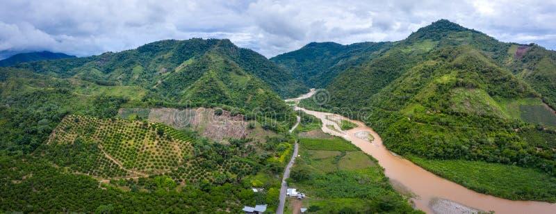 Panorama van een natuurlijk landschap in Peru stock afbeelding