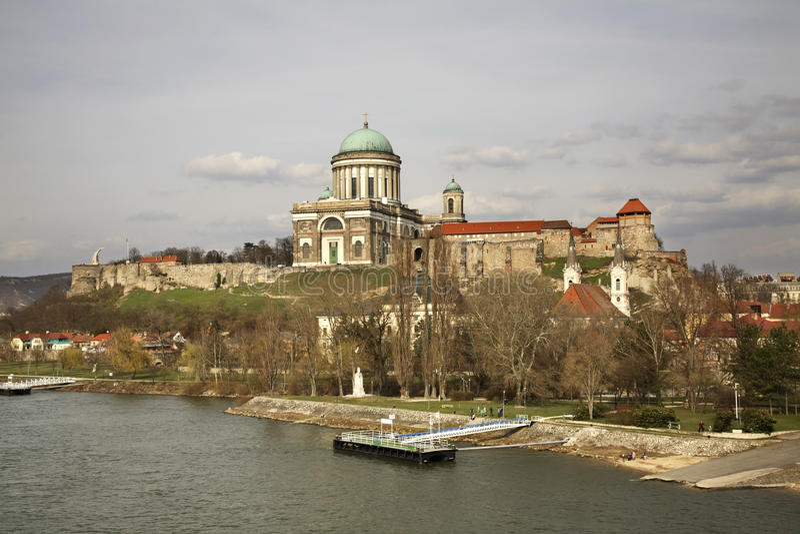 Panorama van Esztergom-stad hongarije royalty-vrije stock afbeelding