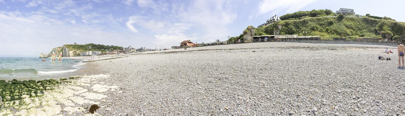 Panorama van Etretat-strand in Normandië, Frankrijk stock foto