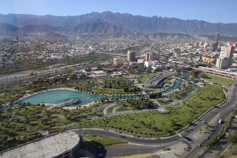 Panorama van fundidorapark in Monterrey, Mexico stock foto's