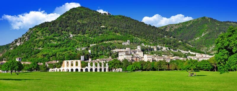 Panorama van Gubbio stock afbeeldingen
