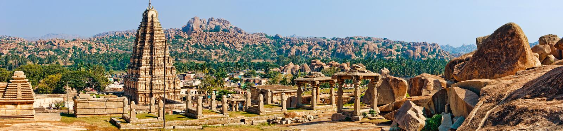 Panorama van Hampi, mening van de Virupaksha-tempel stock afbeelding