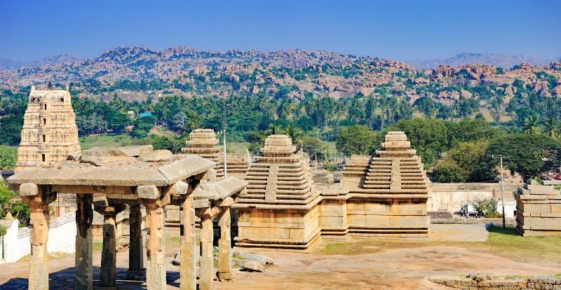 Panorama van Hampi, mening van de Virupaksha-tempel royalty-vrije stock afbeelding