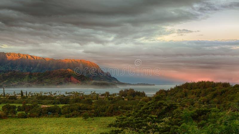 Panorama van Hanalei op Eiland Kauai stock foto's